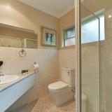 new-bathroom-shot-for-vintage-room